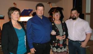 Klubbmästare Eva och Kjell-Åke Sundberg (Ulvfsveåsens Lycka), Ingrid Fredriksson och Fredrik Nordin