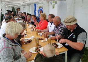 Lördagens gemensamma middag under tak