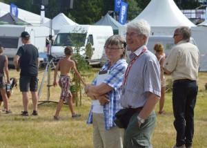 May-Britt och Rolf Pellving kollar in Jeppes hundskola (Foto Leif Aronsson)