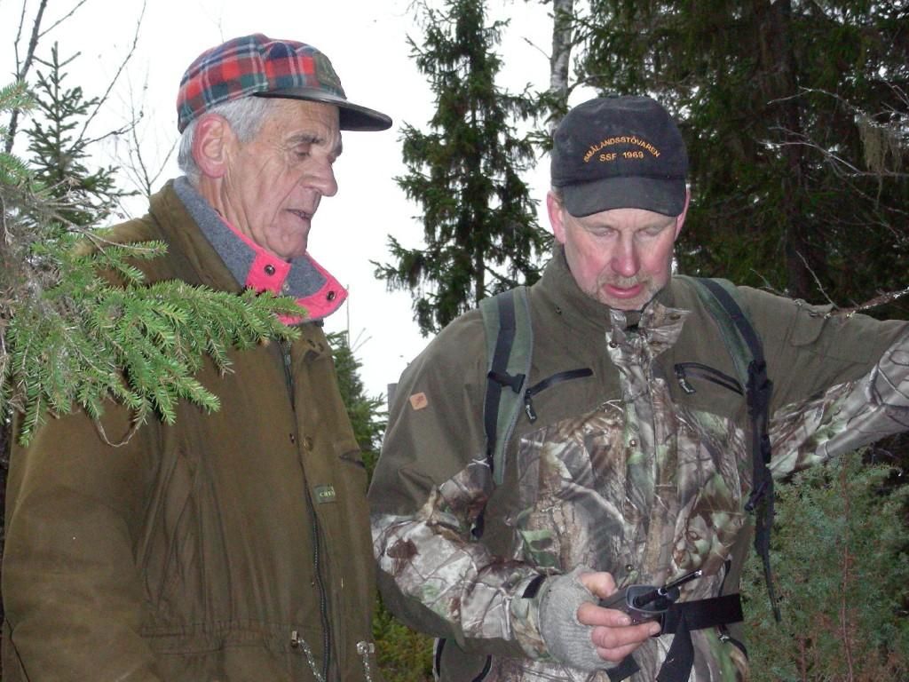 Vägvisare Timmy Eriksson och hundägare Lars Grelsson (Foto Göran Blixt)