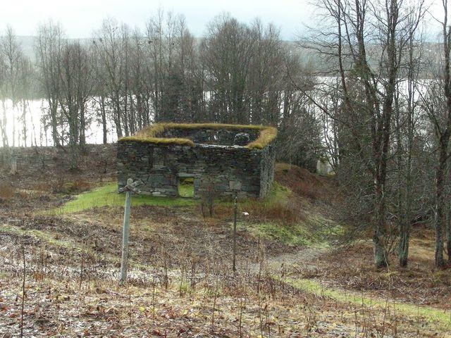 Husruin Gråsjön (Foto Göran Blixt)