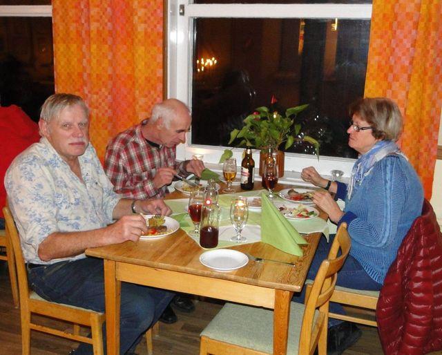 Bengt-Ove Månsson, Hans & Gunilla Karsbo (Foto Rolf Pellving)