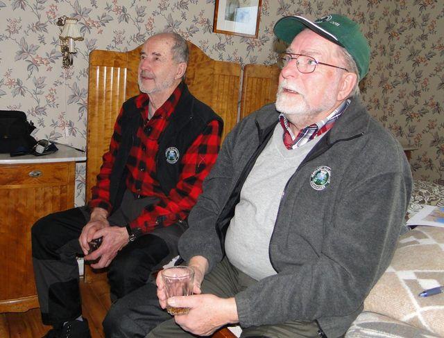 Dennis Sjöö och Carl-Gunnar Hågnäs (Foto Rolf Pellving)