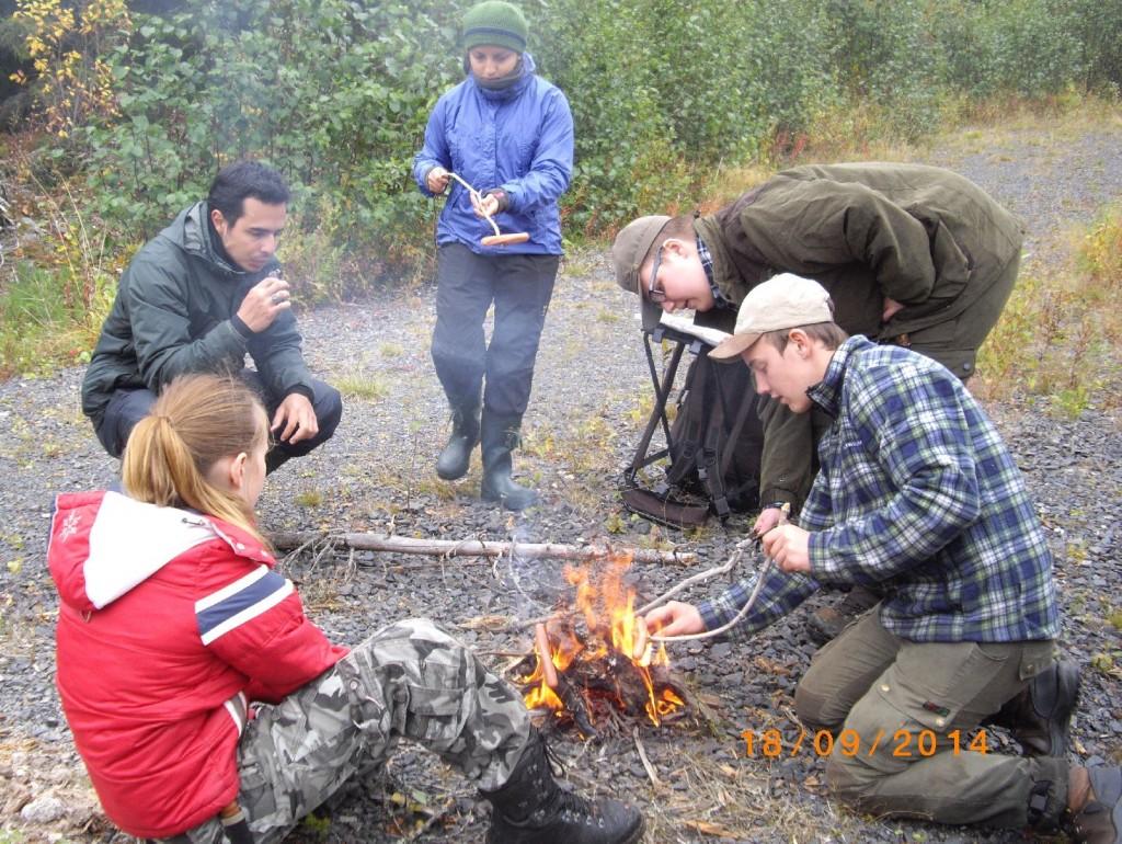Dilleelever - Sara Svensdottir, Benjamin, volontär från Honduras, Kathi, volontär från Costa Rica,Erik Lidgren och Rasmus Jonasson