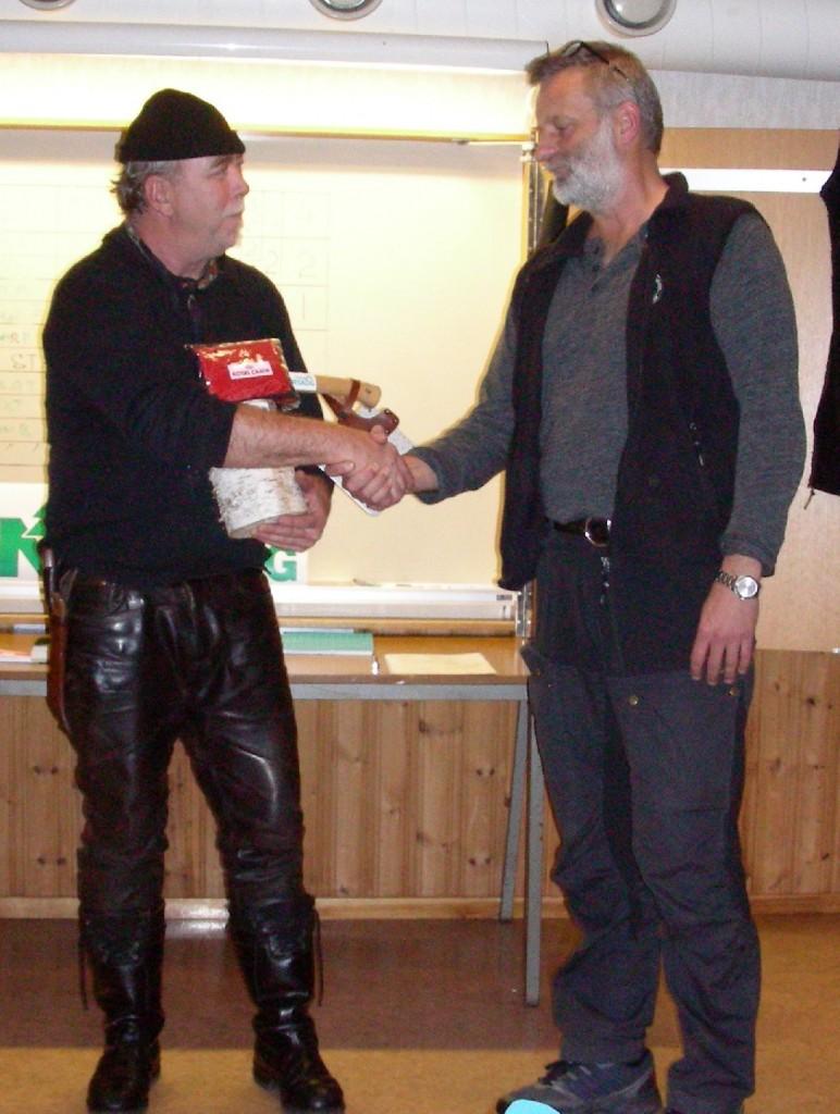 Valdi Waher tackar för Norrskogsprise, yxan och huggkubben, Martin Magnusson