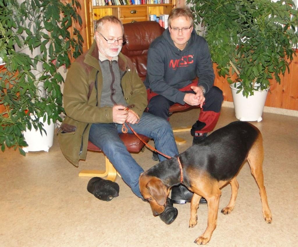 Anders Ströby med sch. Törmarkens Maja-10 och Leif Aronsson
