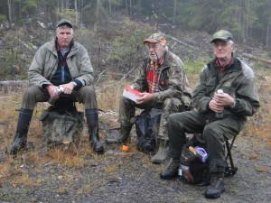 I väntan på upptag, Jan-Erik Eriksson, vägvisare Walle Danielsson och domare Gunnar Karsbo