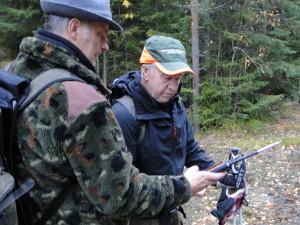 Martin Magnusson och vägvisare Åke Holmstrand