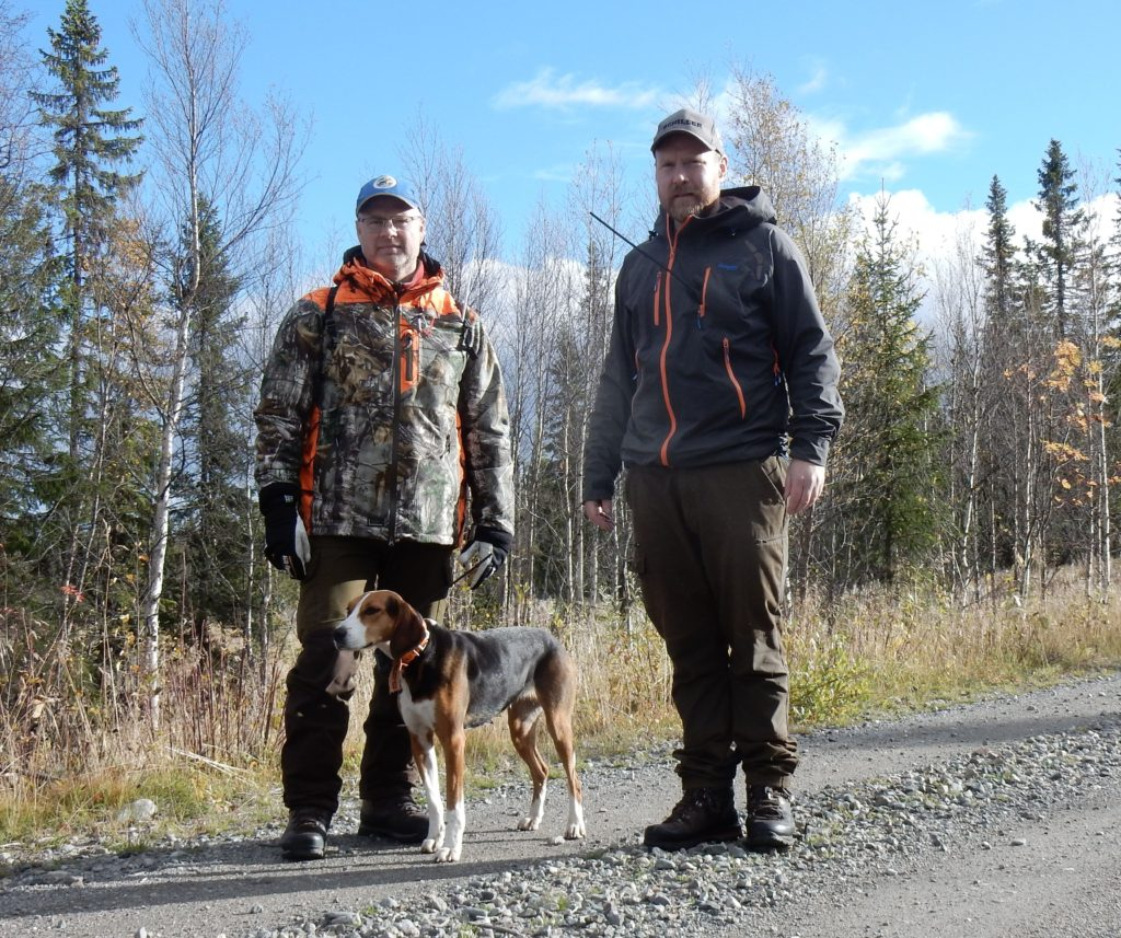 Leif Aronsson med ham. Rålundens Maja-11 och Jimmie Guttormsson Foto: Göran Blixt