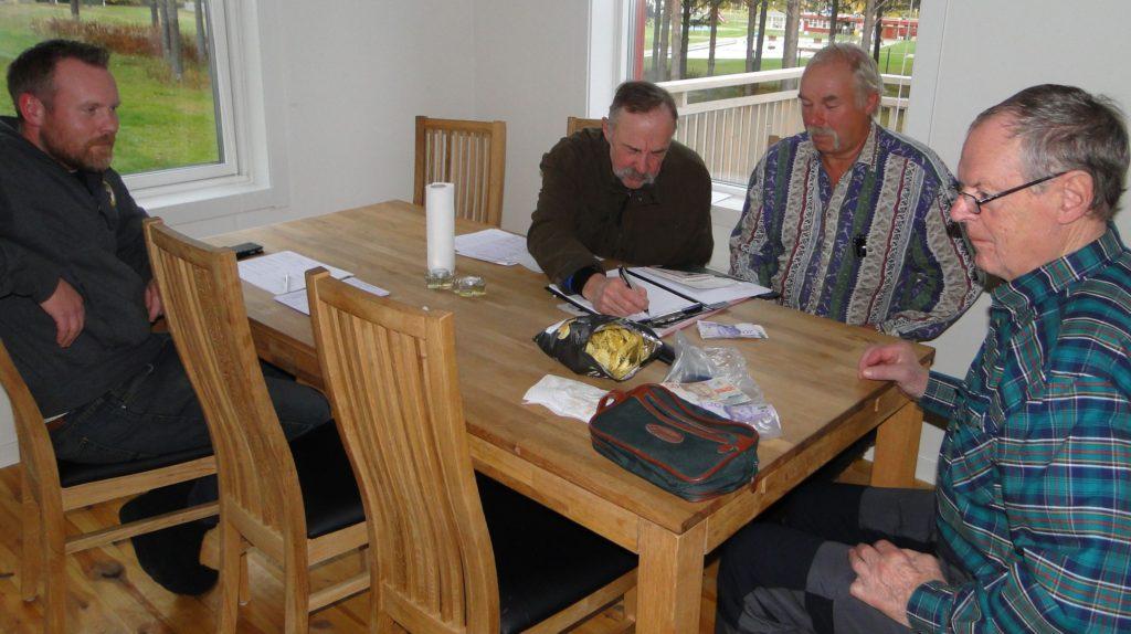 Kvittering av domararvode - Jmmie Guttormsson, Ivan Myhr, Curt Alstergren och Jan-Erik Hellman